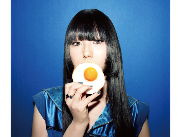Interview with the teenage rap singer DAOKO who has an active music