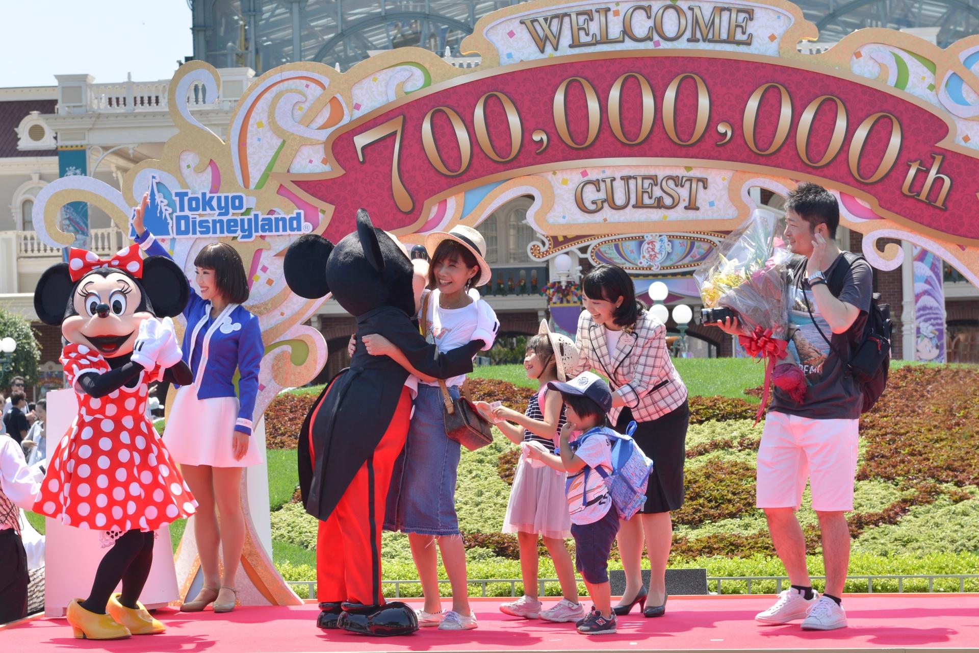 東京ディズニーランド」と「東京ディズニーシー」、累計入園者が7億人