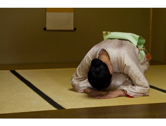 Travel qawhy do japanese people bow so often qa re greetings qa re greetings in japan m4hsunfo