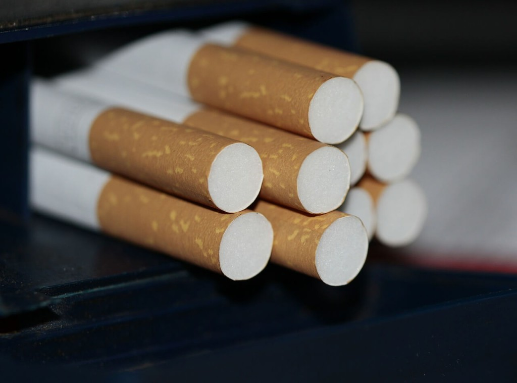 cigarettes-383327_1280-2