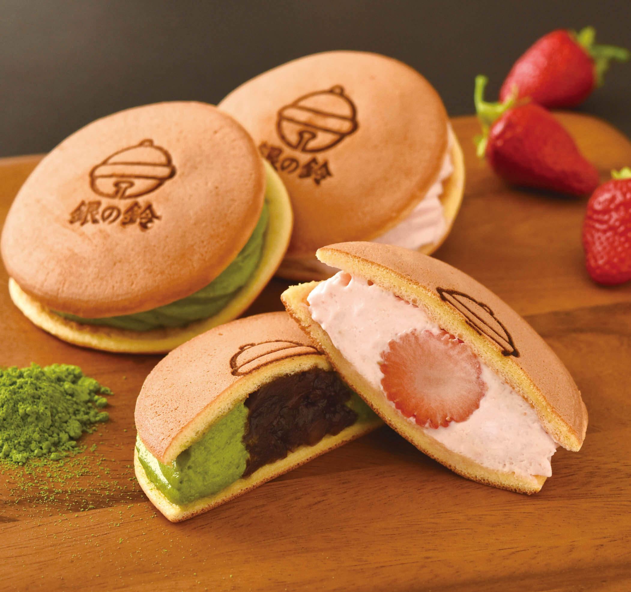 コロンバン_銀の鈴サンドパンケーキ 苺