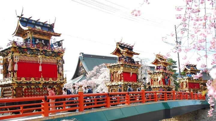 岐阜県飛騨市で400年の伝統を繋ぐ「古川祭」