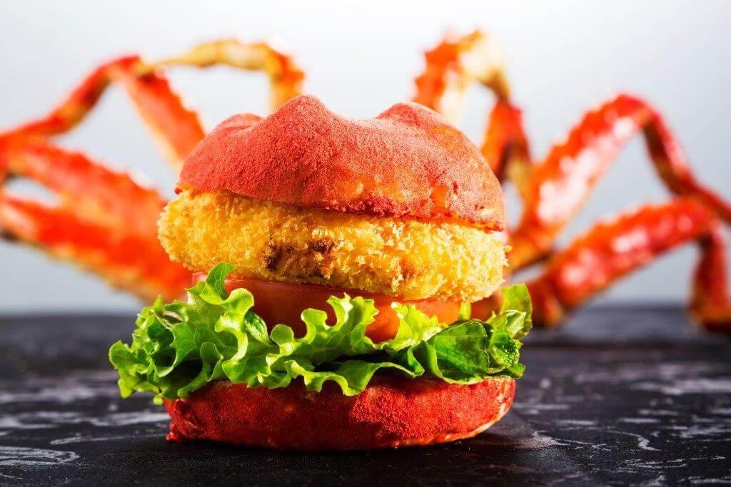 「いちごのタラバ蟹バーガー」東京インターコンチネンタル