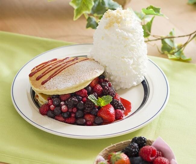 クインタプルベリーパンケーキ EGGS 'N THINGS JAPAN