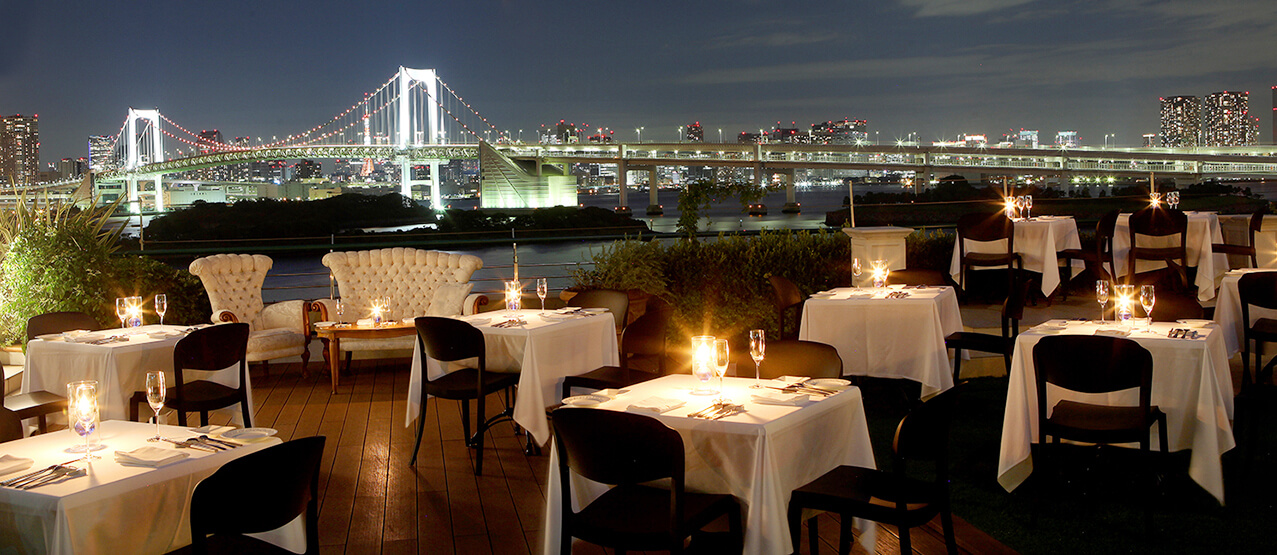 Gaze at Odaiba's Nightscape Scenery from a Private Terrace at Italian Restaurant Mangiare