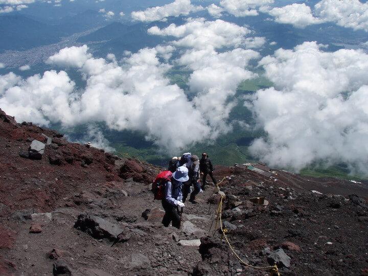 星のや富士 登山プログラム 「グラマラス富士登山」を提供5