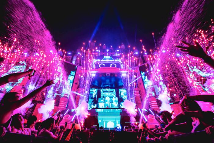 """""""水×音楽のフェス""""「S20 JAPAN SONGKRAN MUSIC FESTIVAL」 お台場S2Oウォーターランド"""