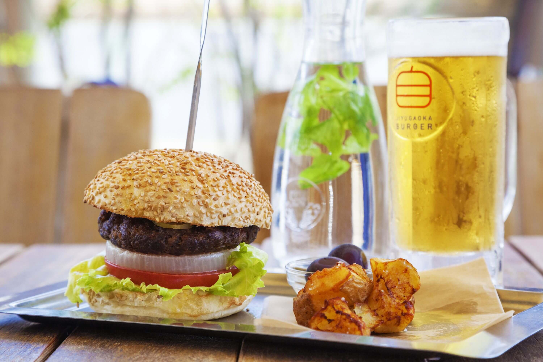%e8%87%aa%e7%94%b1%e3%81%8b%e3%82%99%e4%b8%98%e3%83%8f%e3%82%99%e3%83%bc%e3%82%ab%e3%82%99%e3%83%bc%e3%80%80jiyugaoka-burger-%e9%9d%92%e5%b1%b1-aoyama
