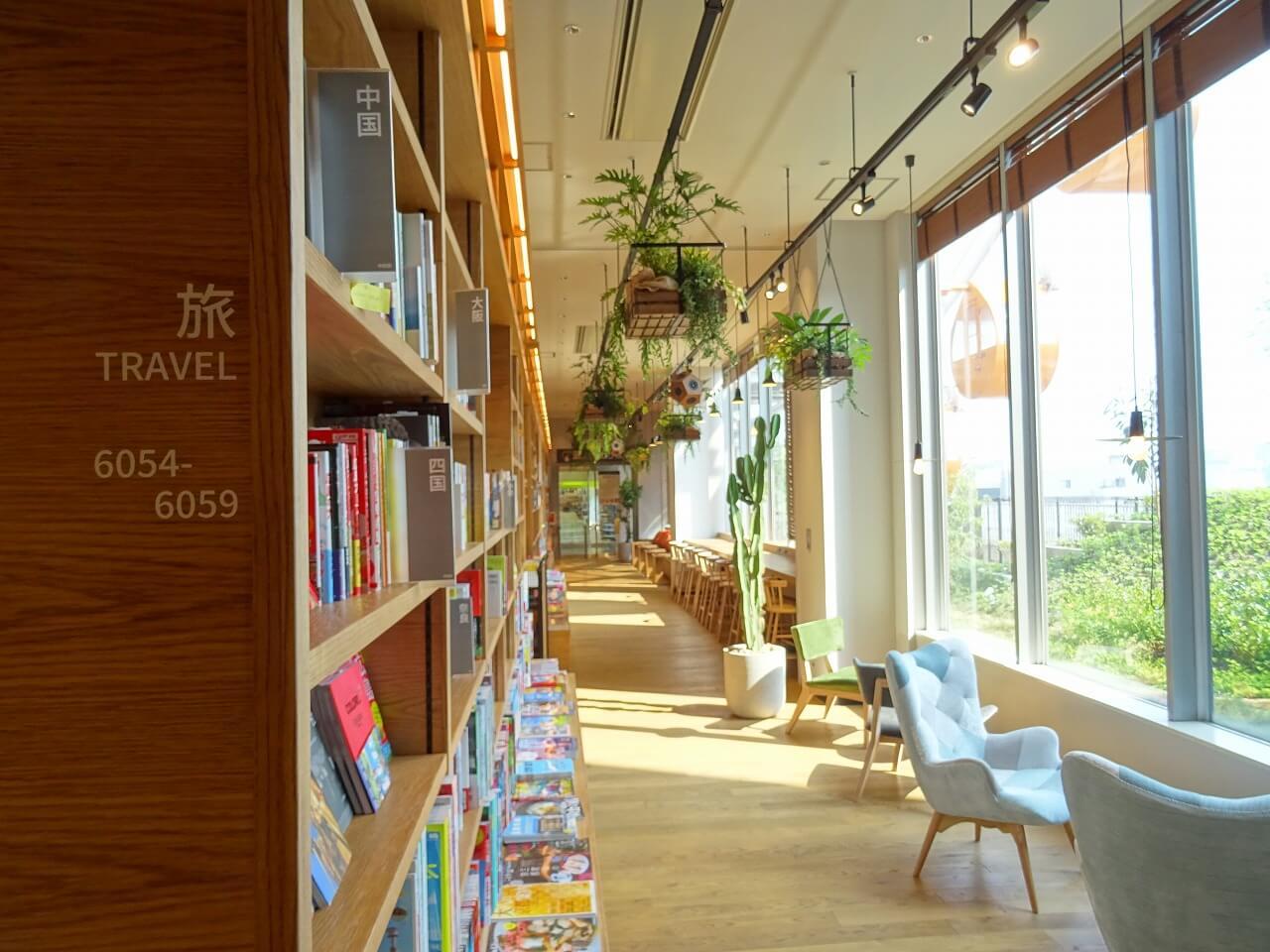 TSUTAYA BOOKSTORE MIRAI NAGASAKI COCOWALK4