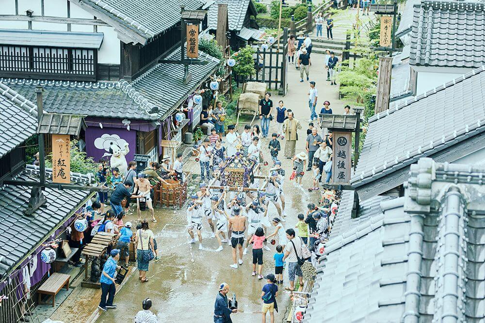 夏の名物・水掛け神輿渡御!