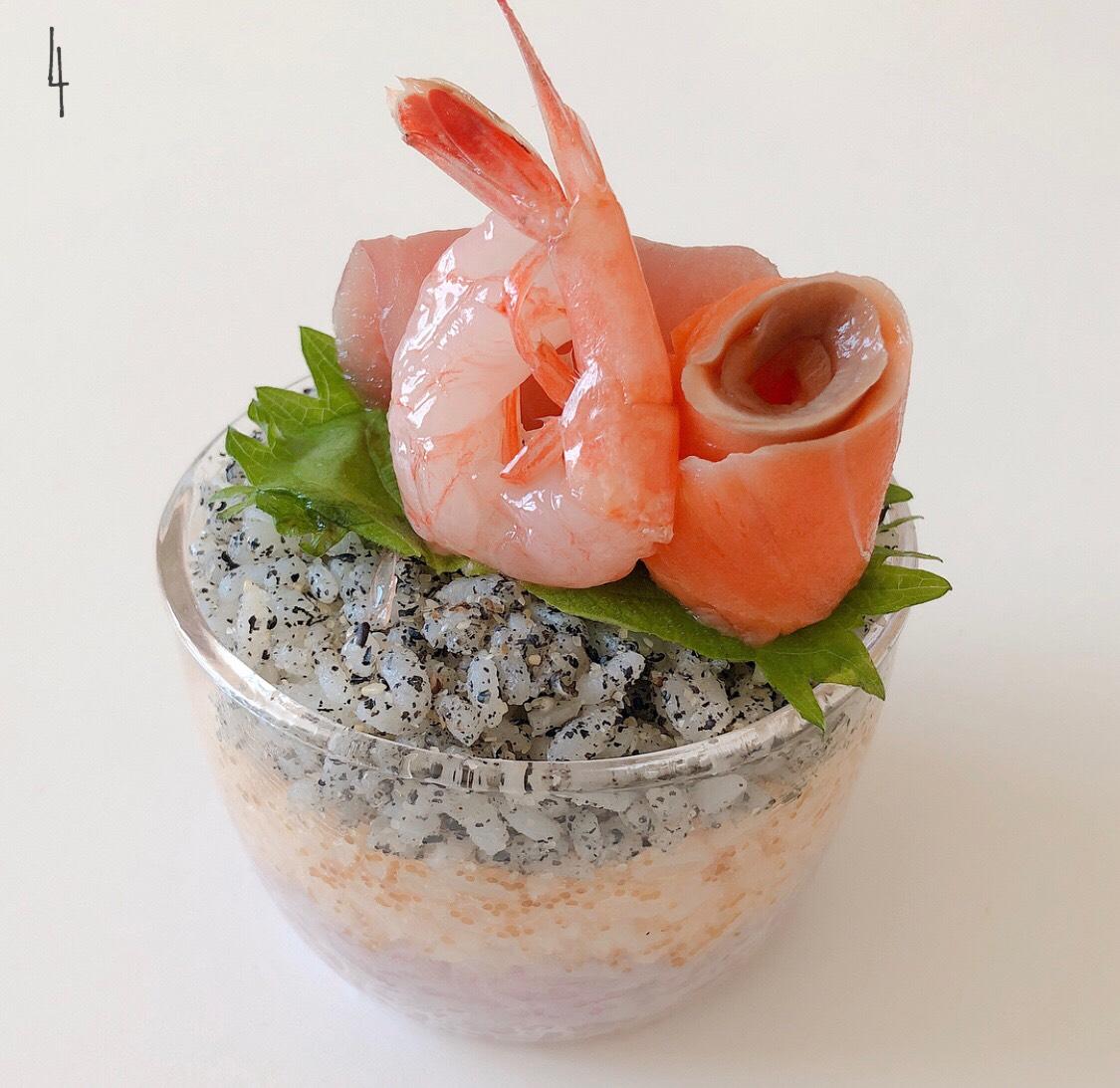 kaori-%e3%82%ad%e3%83%a3%e3%83%a9%e5%bc%81%e3%80%80%e3%82%ad%e3%83%a3%e3%83%a9%e3%81%93%e3%82%99%e3%81%af%e3%82%93%e3%80%80charaben-japanese-food-sushi_4-2