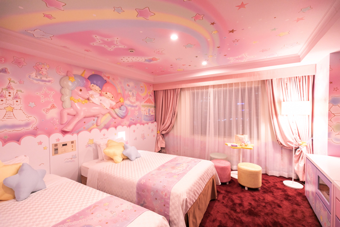 little-twin-stars-room-2-2