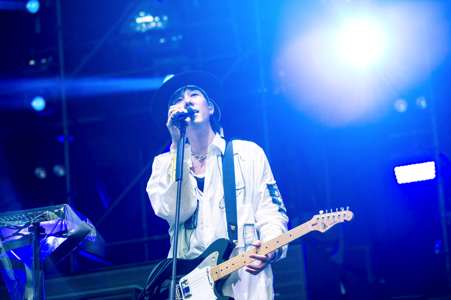 radwimps-tenkinoko-%e5%a4%a9%e6%b0%97%e3%81%ae%e5%ad%90-live-concert_6-2