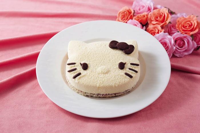 ハローキティ ケーキ Hello Kitty cake available for take-out copy