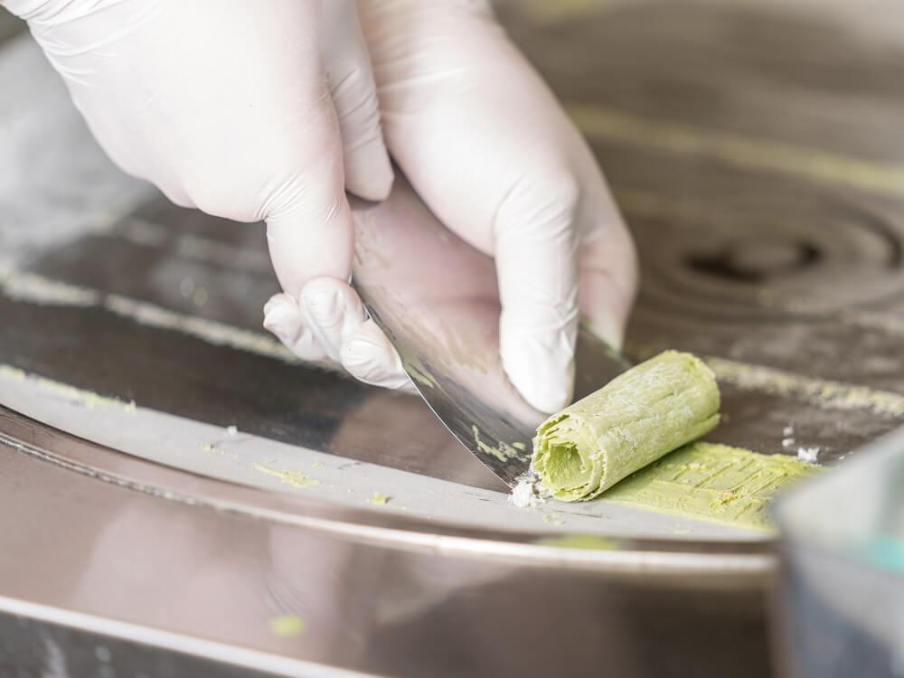 roll-ice-cream-factory-%e3%83%ad%e3%83%bc%e3%83%ab%e3%82%a2%e3%82%a4%e3%82%b9%e3%82%af%e3%83%aa%e3%83%bc%e3%83%a0%e3%83%95%e3%82%a1%e3%82%af%e3%83%88%e3%83%aa%e3%83%bc-%e5%8f%b0%e6%b9%be-%e5%8f%b0-2-2