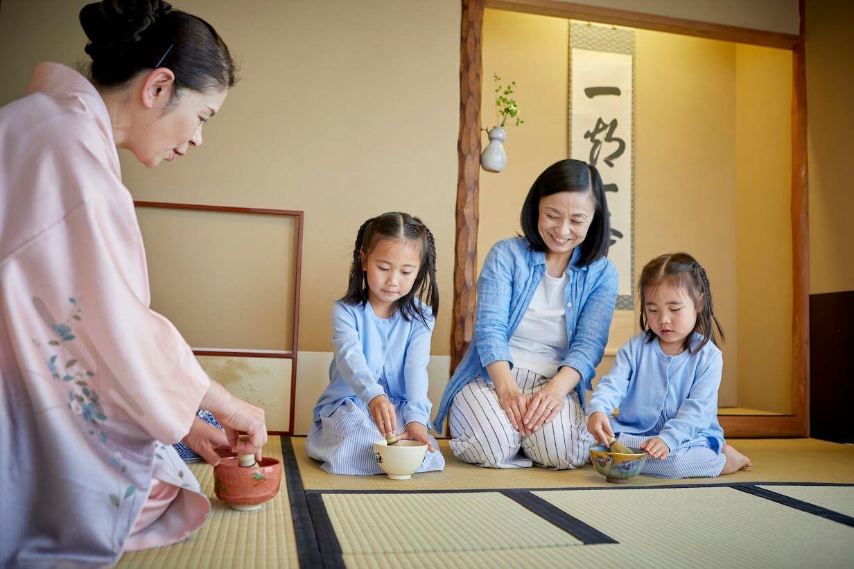 親子で茶道体験!ラグジュアリーファミリーステイ 京王プラザホテル 新宿 shinjuku Tea ceremony experience accommodation package (1)