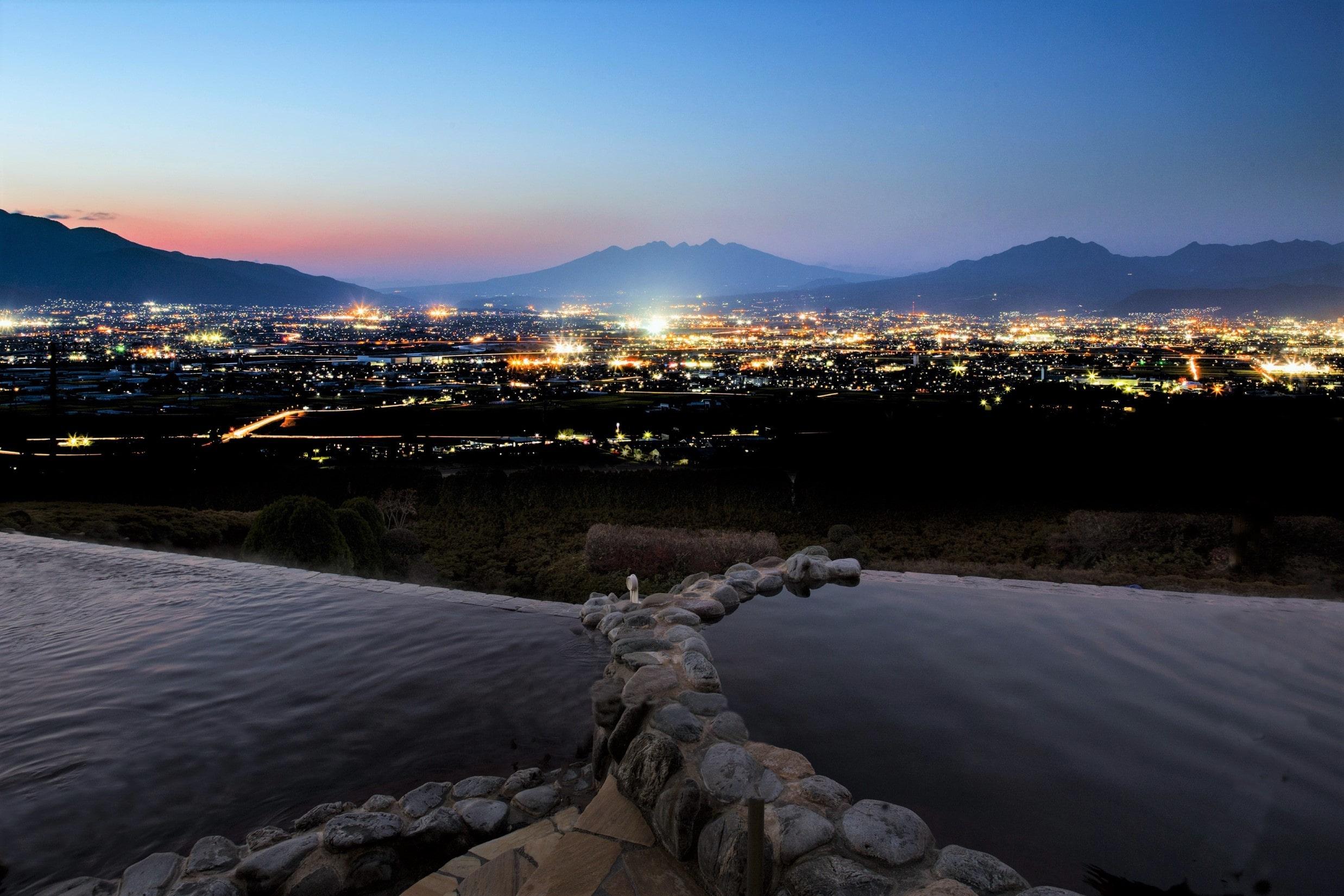 みはらしの丘 みたまの湯 miharashi no oka mitamano yu 夜景100選img_191537_1-min