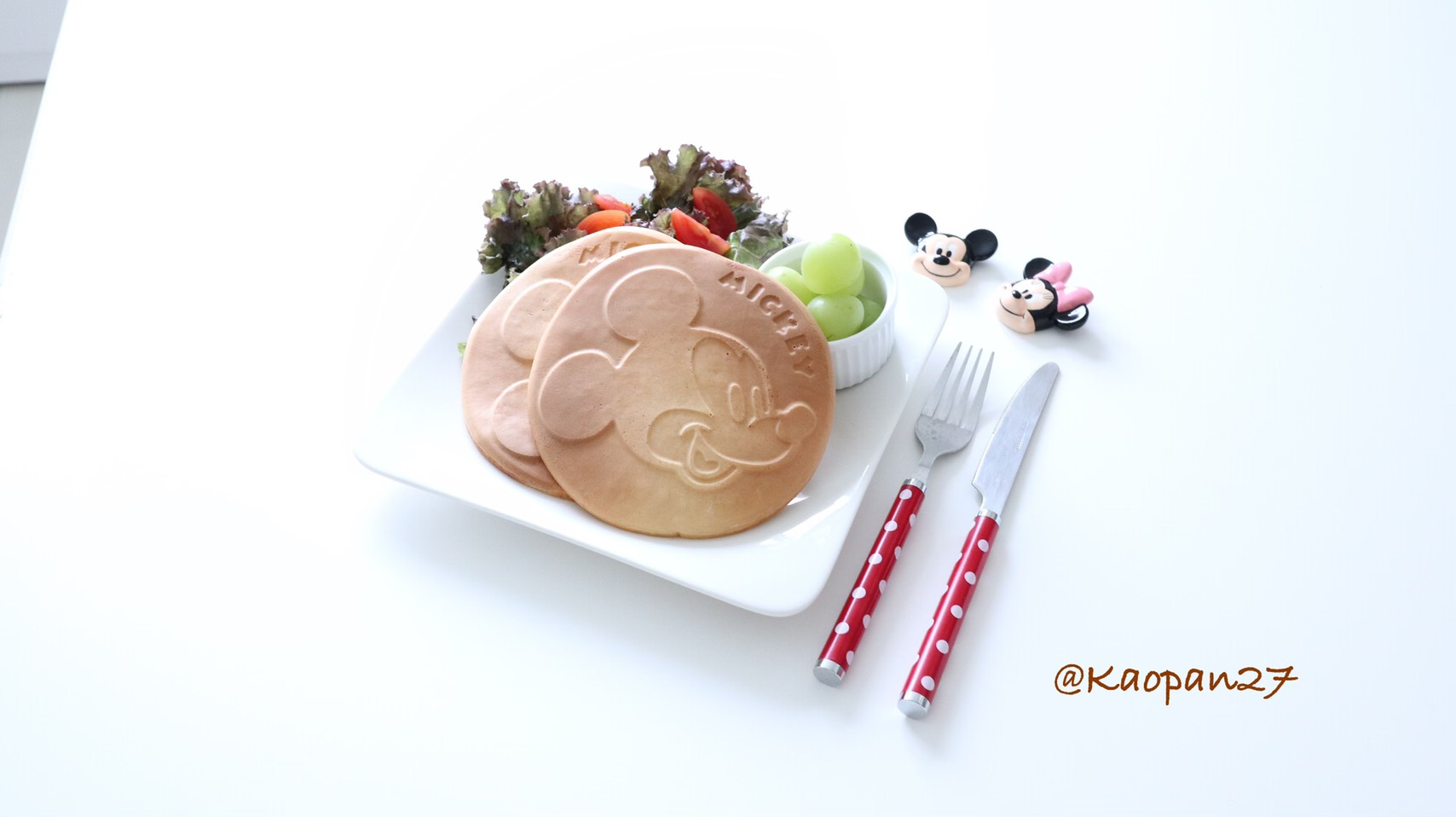 Kaori's recipe Mickey Mouse Pancakes ミッキーマウスのパンケーキ