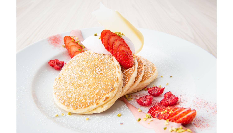 いちごのティラミスパンケーキ Strawberry Tiramisu Pancake 草莓提拉米蘇 薄烤饼