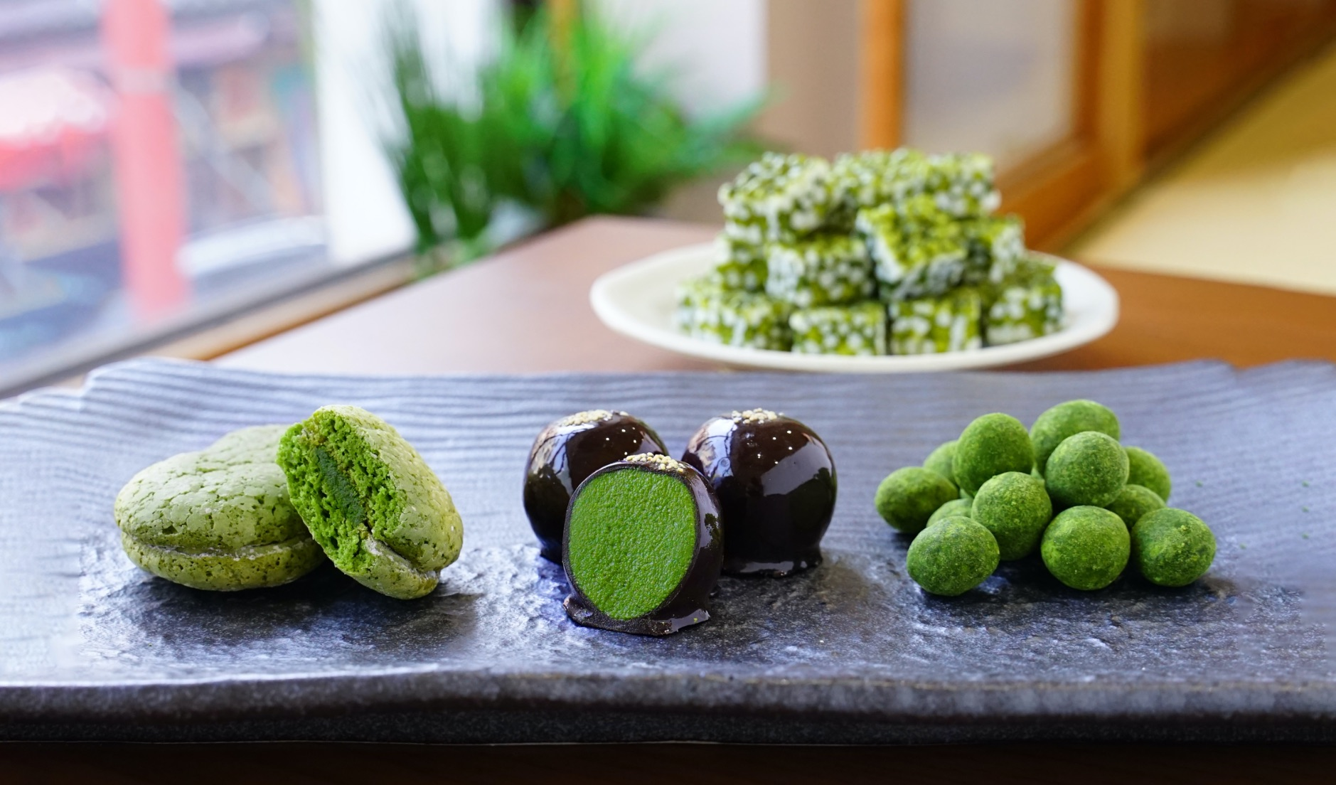 浅草のお濃茶スイーツ専門店「雷一茶」 matcha sweets Asakusa 淺草的黑茶糖果