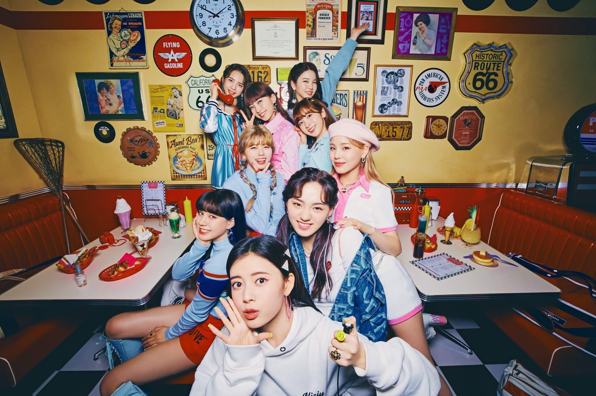 _NiziU 2nd Single「Take a picture/Poppin' Shakin'」 (2)
